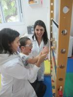 Atendimento conjunto de fisioterapia e terapia ocupacional